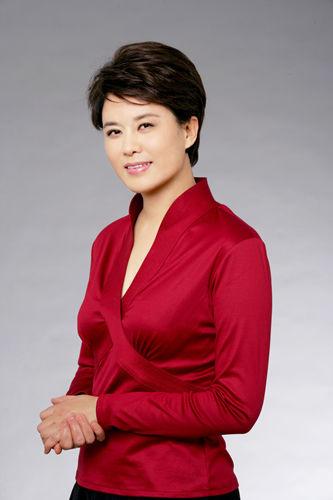 cctv2对话节目的女主持人是谁?